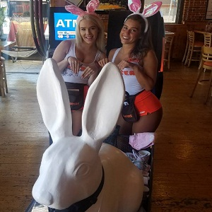 Hooters girls with SD Rabbit